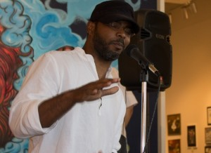 <p><b>Welcoming the Crowd</p></b>
