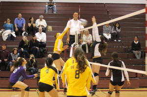 De anza volleyball rallies: The Dons play it close until the fifth and final set