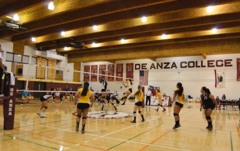De Anza Women's volleyball loses in final set
