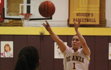 Women's Basketball Crushes Hartnell College