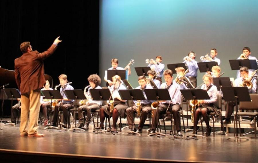 Lincoln High School jazz band plays at De Anza
