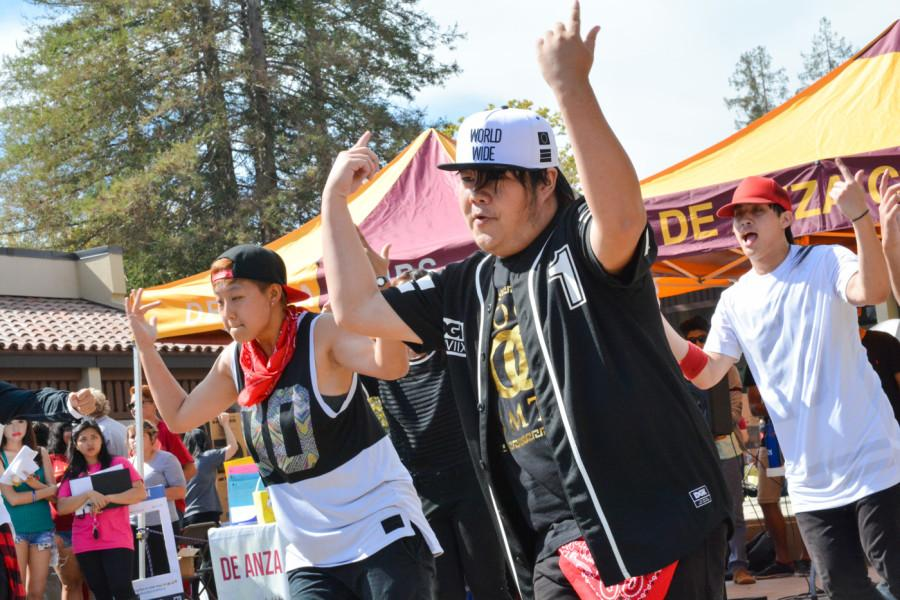 The K-Pop Dance Club Performs in the main quad on Thursday, Oct.8.