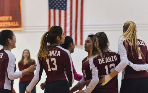 De Anza falls to Foothill: Volleyball team shows positives in loss