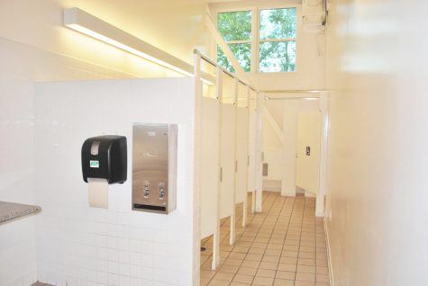 A porcelain match made in heaven or hell? Ranking the best and worst De Anza bathrooms