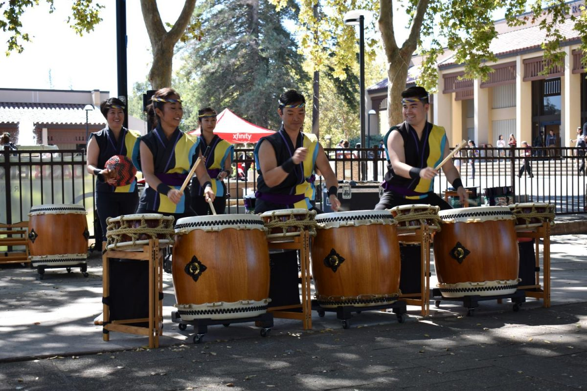 Japanese+drummers+bring+cultural+diversity+to+De+Anza+College%27s+Welcome+Week