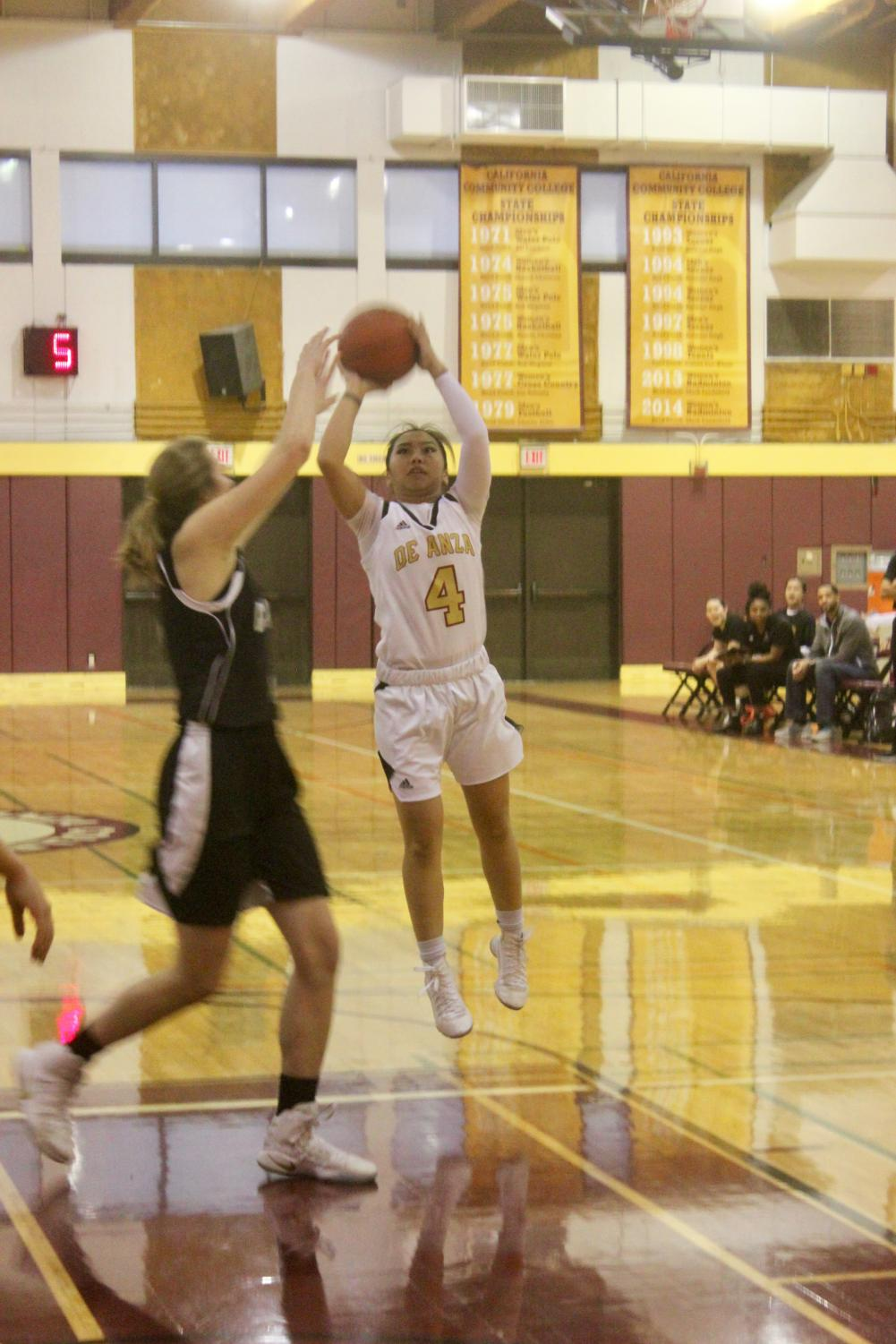 Guard, Doryn Gomez attempts a two-pointer during the De Anza Colleg Dons game against the Cabrillo Seahawks on Wednesday, Jan. 19. The Dons lost 80-43.