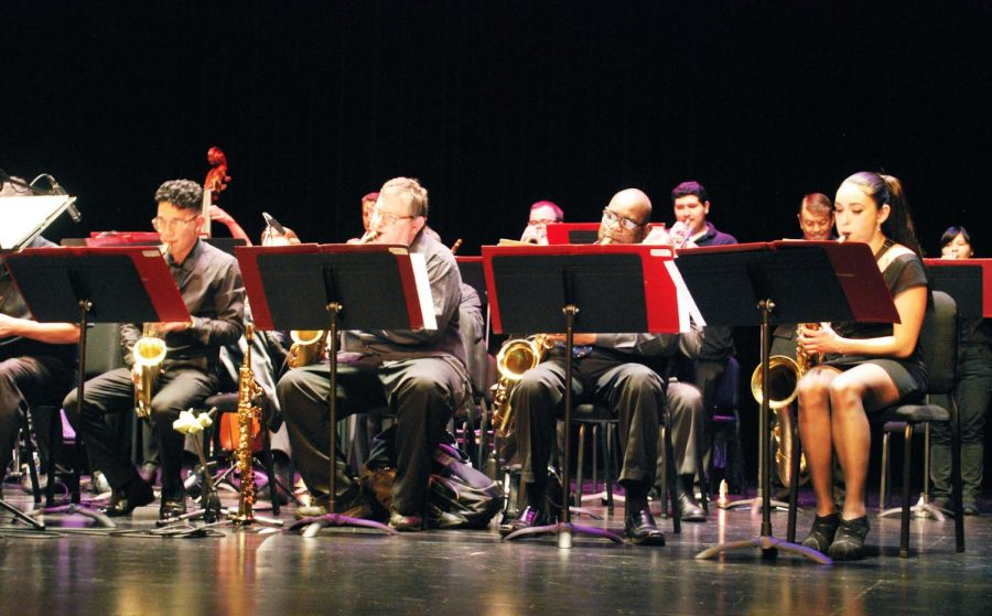 The De Anza Jazz Ensemble plays some jazzy tunes at the Visual and Performing Arts Center on March 23.
