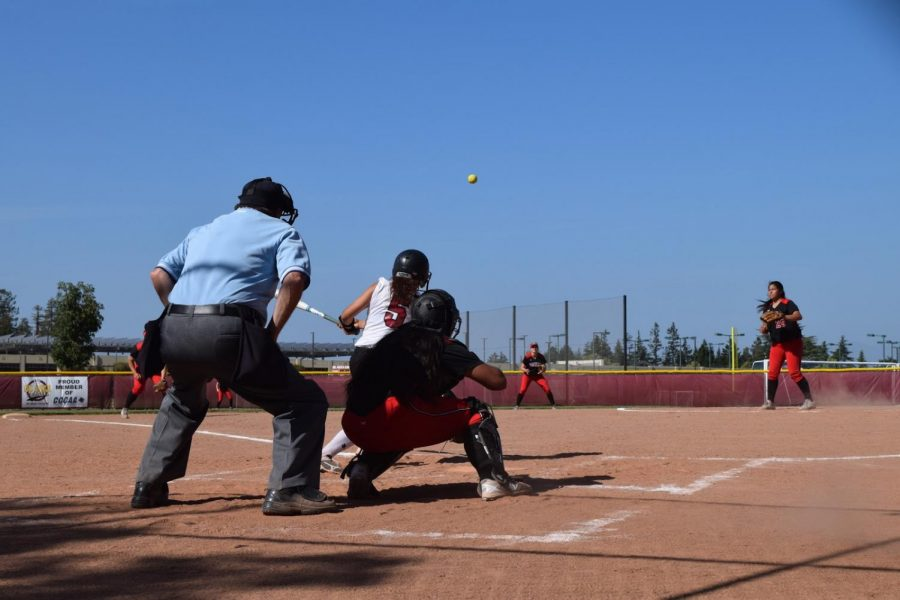 Softball+prepared+to+retool+for+next+season+after+last-place+finish