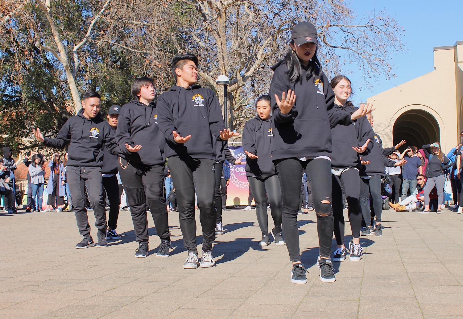 The+urban+dance+team%2C+Grand%2C+performs+at+Club+Day+.