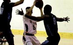 Men's basketball suffers narrow loss once again