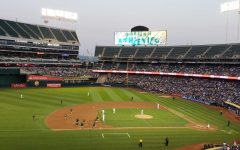 The A's take the field against the Dodgers in 2018 with an attendance of 32,062 that night.
